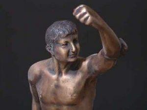 Bronze Olympian Man Early Greek Olympic Symbol Sculpture 300x225 - O ranljivih moških